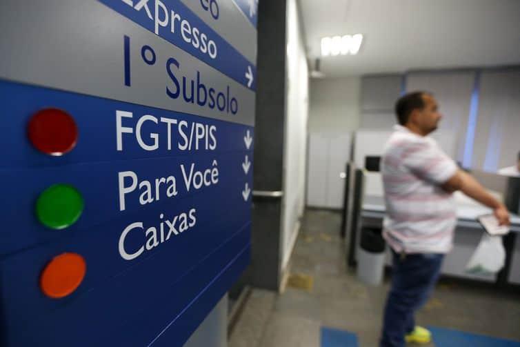 Pagamento do FGTS: Caixa informa que agências deixarão de funcionar aos sábados