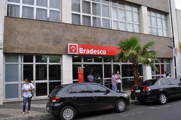 Fechamento de 300 agências do Bradesco preocupa correntistas