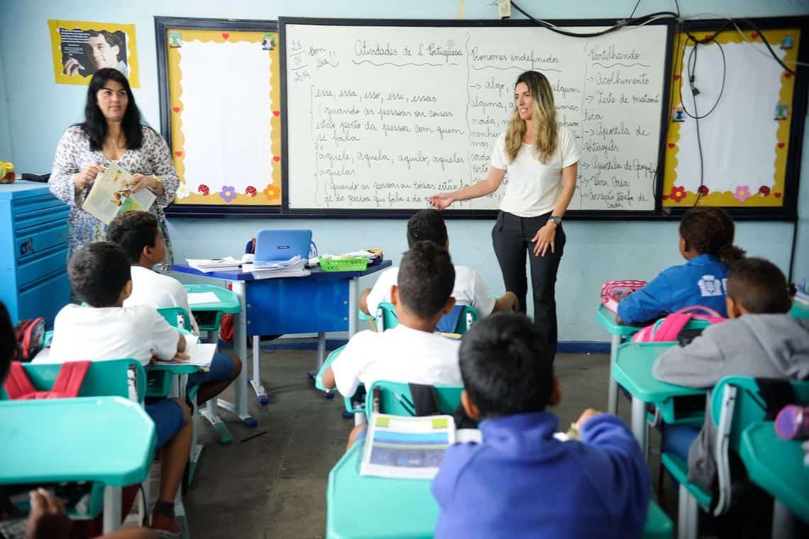 Manaus completa 1 mês com funcionamento das escola em sistema híbrido