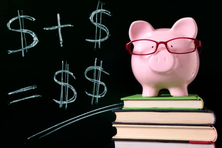 Financiamento estudantil tem sido uma opção para ingresso na universidade; saiba se vale a pena