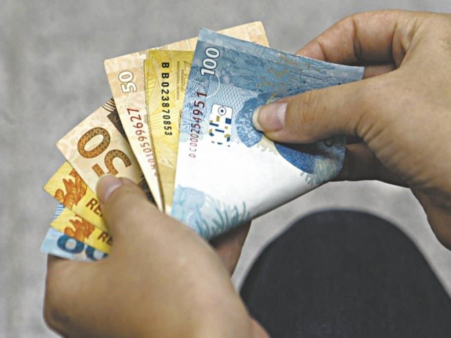 Salário mínimo 2021 vai mudar valor de pagamentos do INSS; QUEM será afetado? (Imagem: Google)