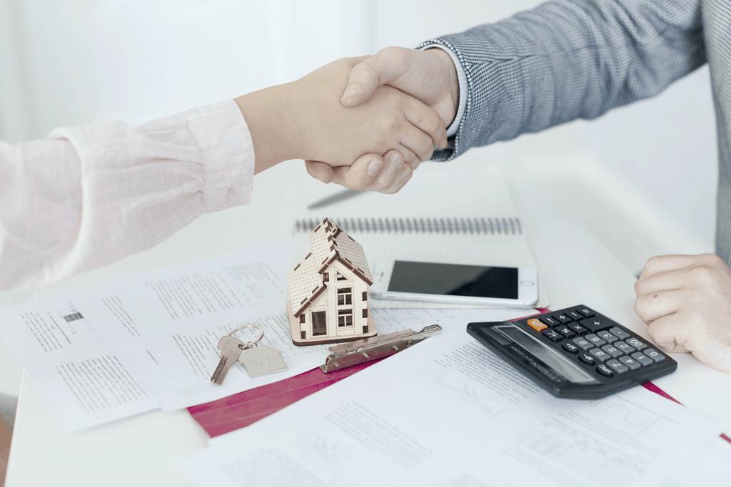 Queda na taxa Selic pode mudar financiamento imobiliário? Entenda! (Imagem: Google)