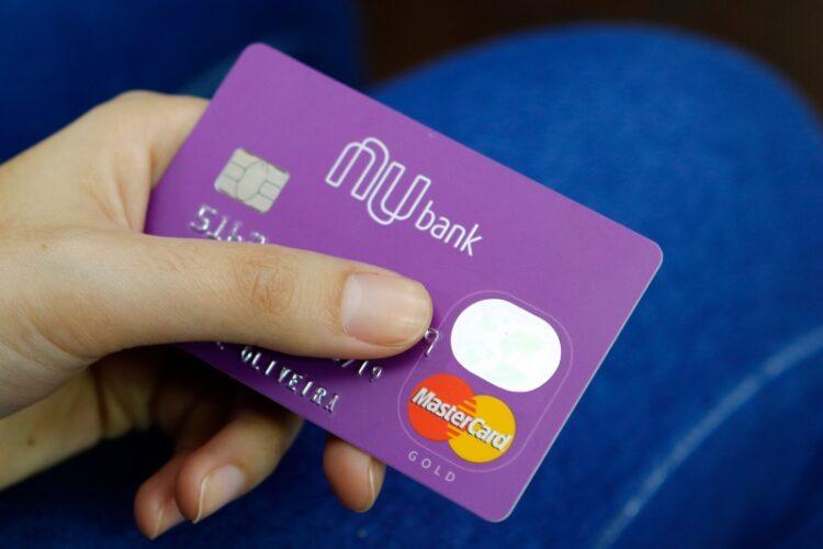 Você sabia que é possível ativar a função de crédito no seu cartão de débito Nubank?