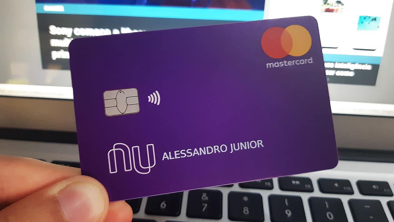 Black Friday com a Nubank: fintech da dicas do uso consciente do cartão