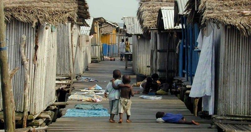 Desigualdade e pobreza marcam FIM do auxílio emergencial; quem ainda recebe em 2021? (Imagem: Google)