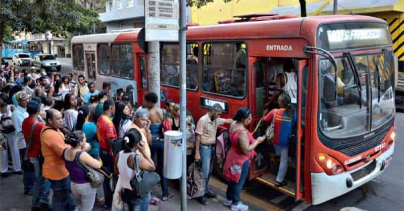 Idosos de 60 a 65 anos perdem gratuidade no transporte público de São Paulo