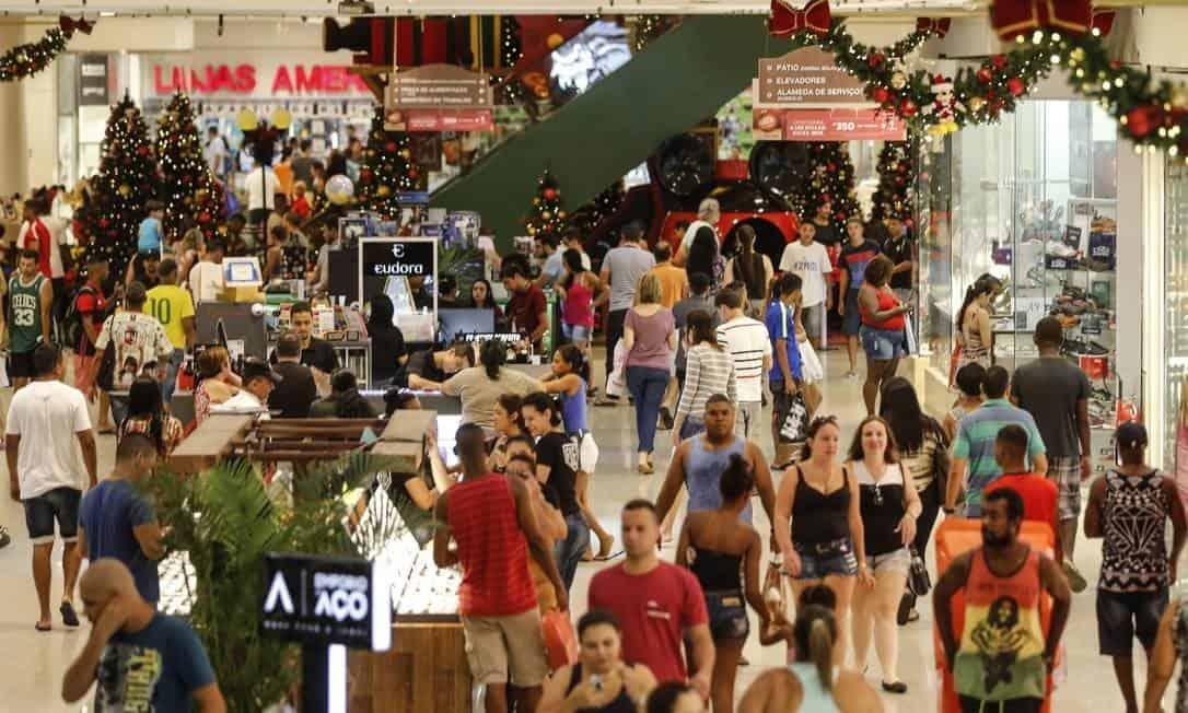Pagamento do FGTS anima setor do varejo com aposta de melhor Natal desde 2013