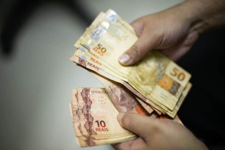 Tesouro Nacional defende mudanças no pagamento do abono salarial
