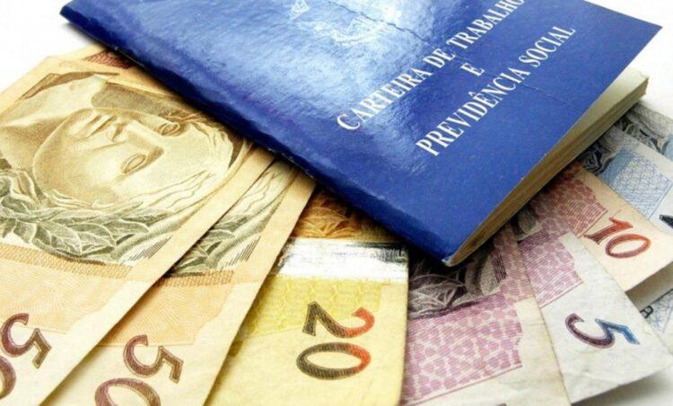 13° salário: Saiba quanto vai receber de abono após acordo com corte no seu salário