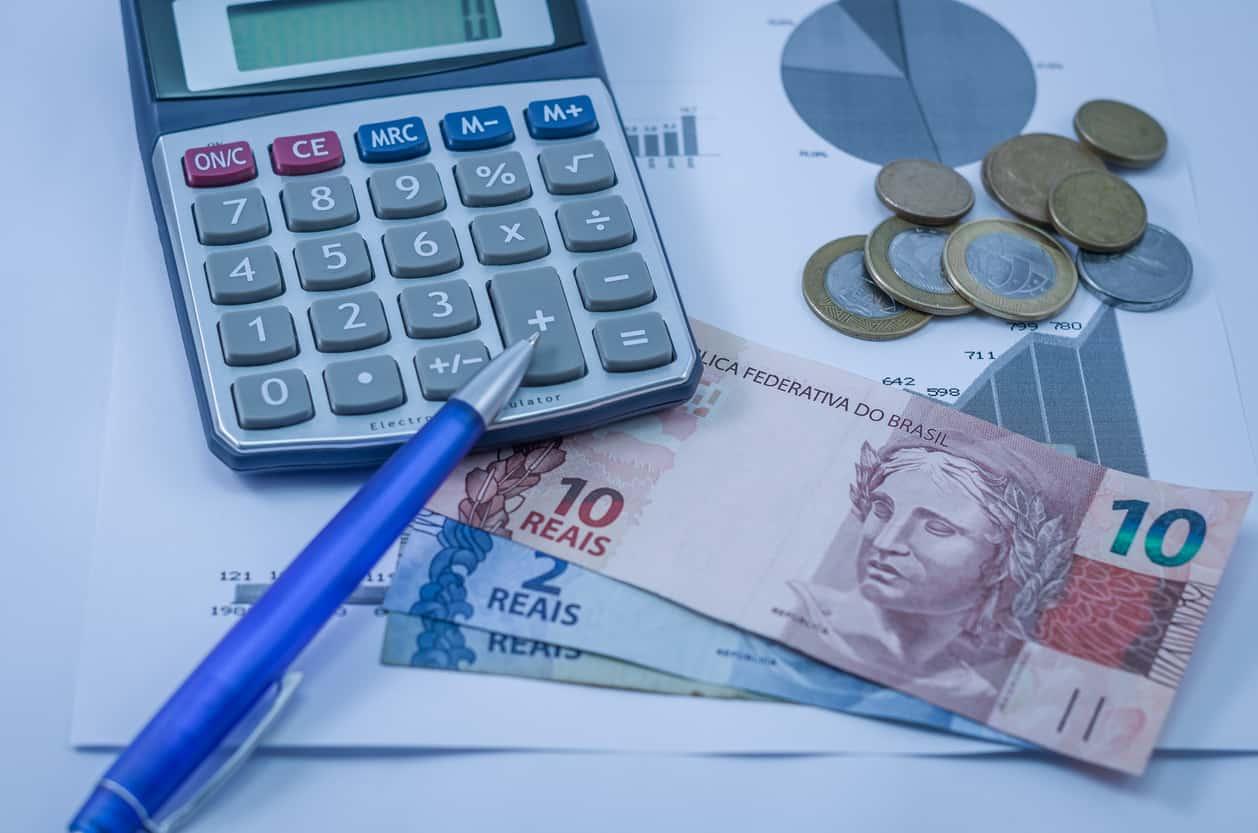 IPTU e IPVA: quando vale a pena antecipar pagamento?