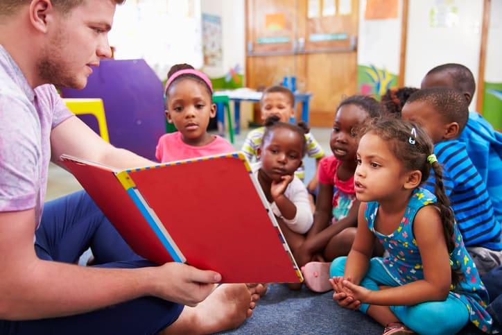 Vale creche para crianças carentes é anunciado por Guedes