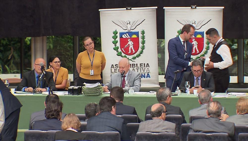 Previdência dos servidores do Paraná é aprovada por deputados