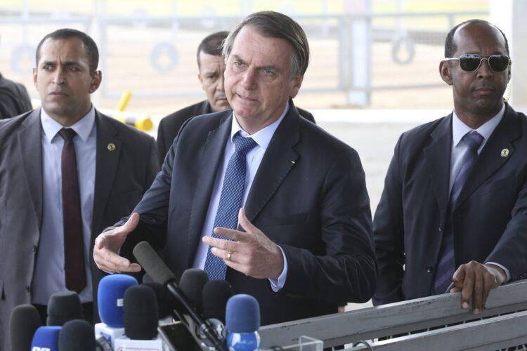 FIM do auxílio emergencial é confirmado por Bolsonaro; Bolsa Família surge com NOVIDADES