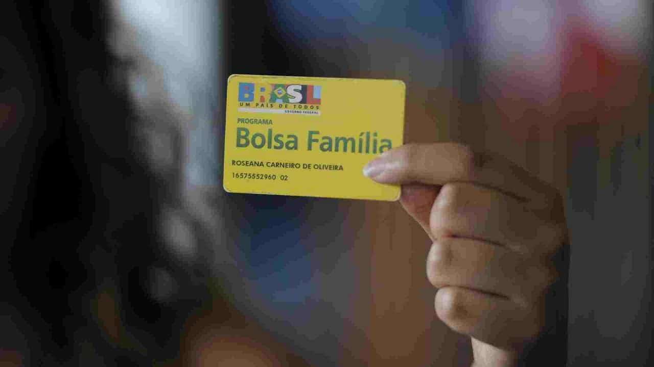 Governo dá início ao 13° salário do Bolsa Família