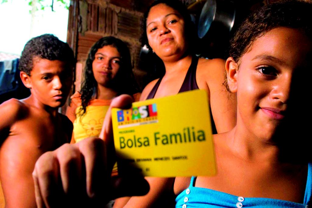 Verba do Bolsa Família é congelada em 200 municípios; saiba quem se prejudica (Reprodução/Google Imagens)