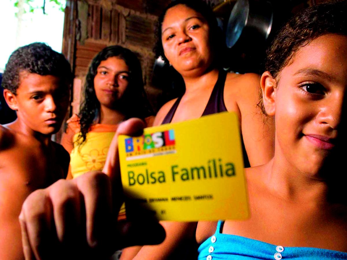 Resultado de imagem para Cortes do Bolsa Família no Maranhão
