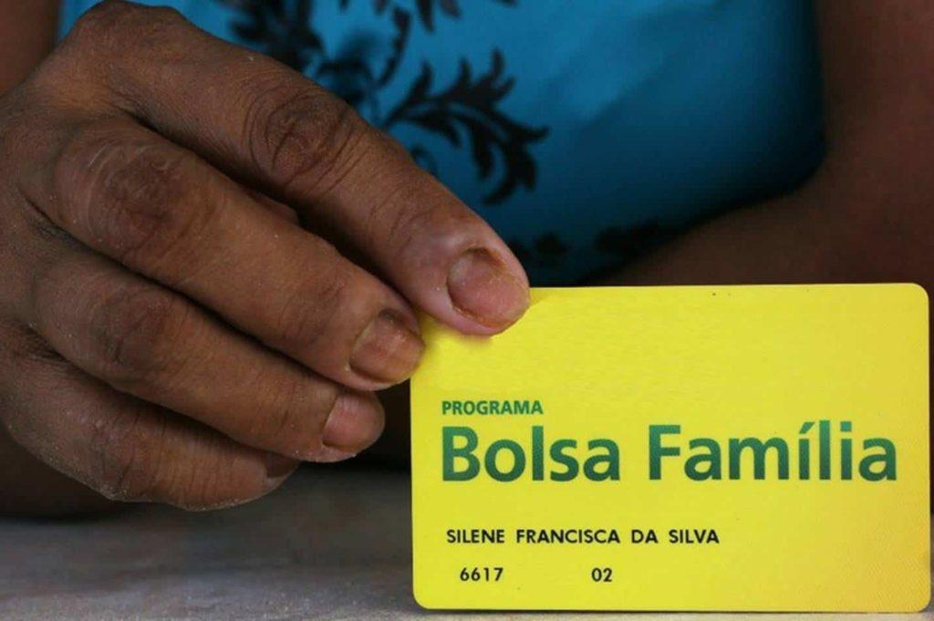 Cancelamento do Bolsa Família prejudica Natal dos mais pobres