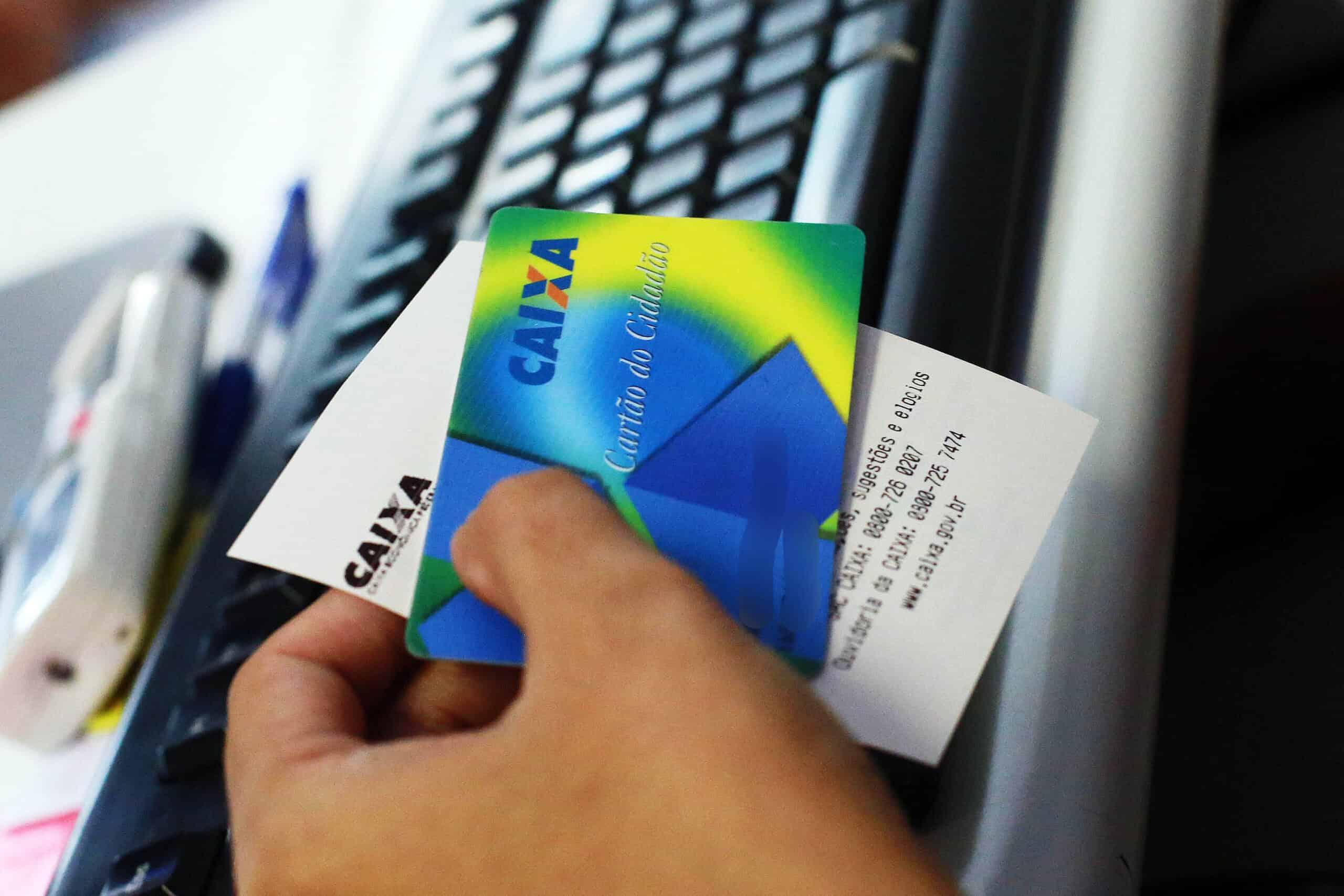Caixa admite que faz retiradas automáticas de R$500 do FGTS