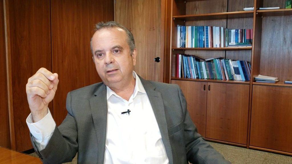 Secretário declara reprovação em taxar seguro desemprego