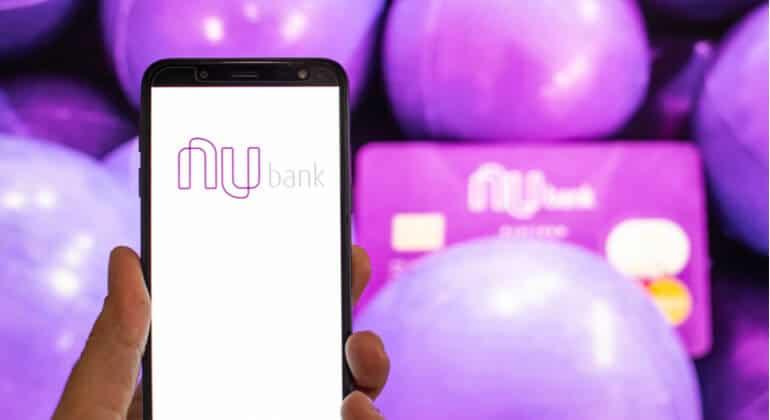 Aprenda a usar o cartão Nubank para recarregar seu celular