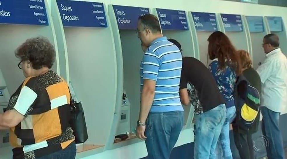 FGTS de R$500 não foi retirado por todos os trabalhadores; veja até quando sacar