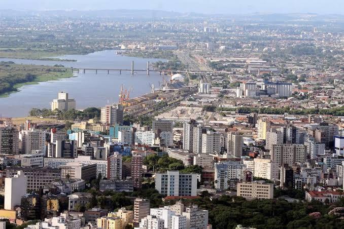 Porto Alegre inicia fase mais restrita de circulação de pessoas na terça-feira (7)