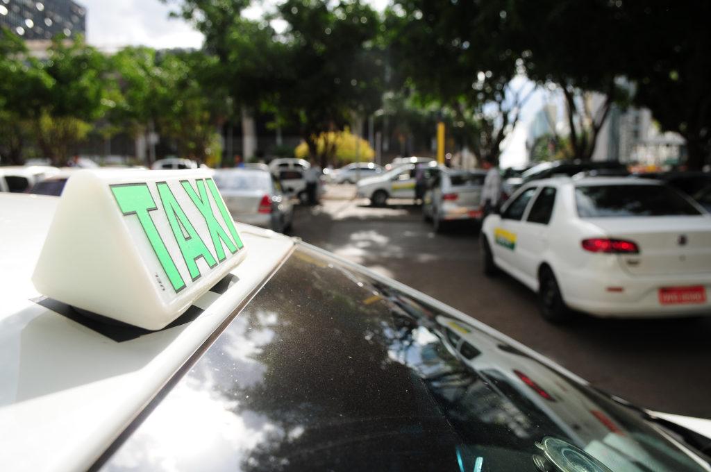 Coronavoucher vai incluir motorista de app, taxista e mais! (Reprodução/Internet)