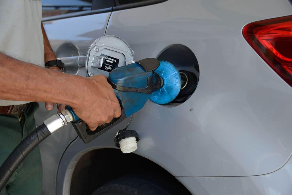 Acompanhe o valor da gasolina nas principais cidades turísticas