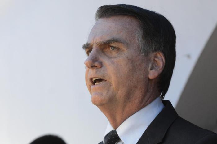 Atendimento do INSS recebe proposta inusitada de Bolsonaro
