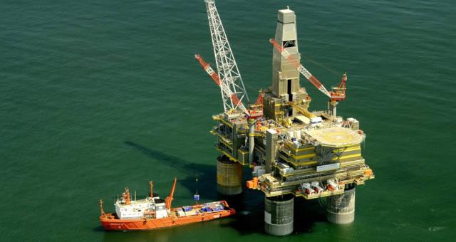 Petróleo tem alta impactante após desentendimentos entre EUA e Irã