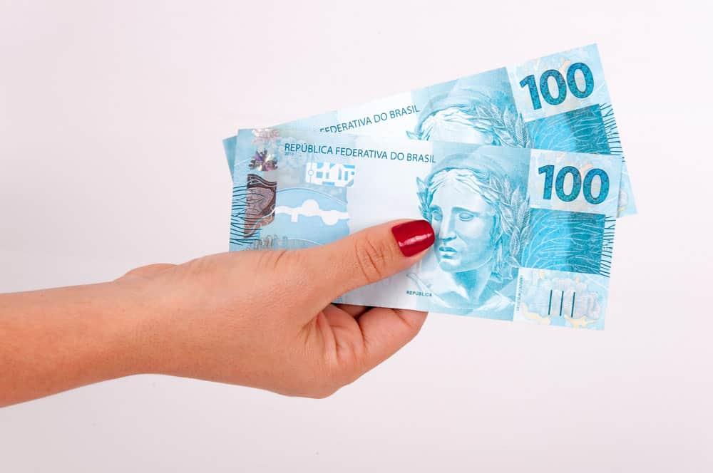 Crédito consignado vale mesmo a pena? Reclamações aumentam em 80%