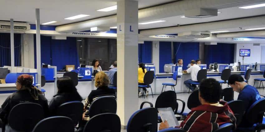 Crise no INSS: saiba quem são os mais prejudicados com os atrasos (Reprodução/Agência Brasil)