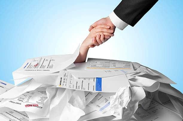 Cartões de crédito BMG e Inter são boas opções para negativados; conheça