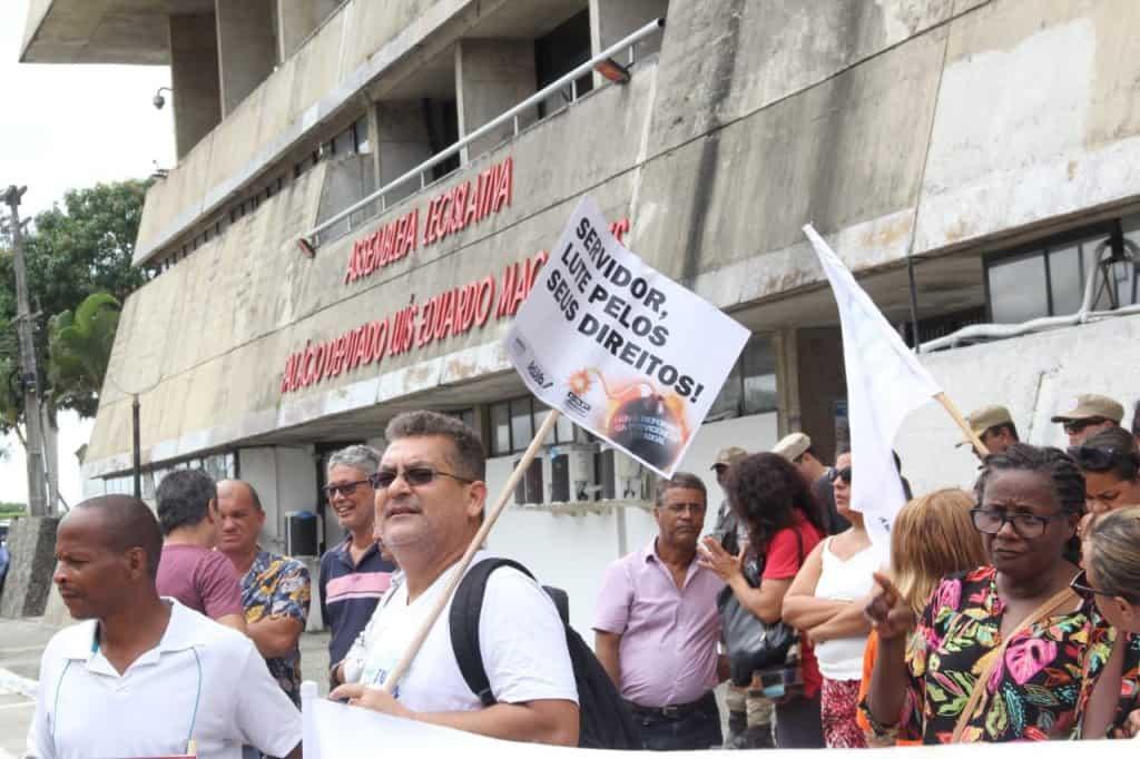 Previdência na Bahia: servidores se revoltam contra decisão do governo