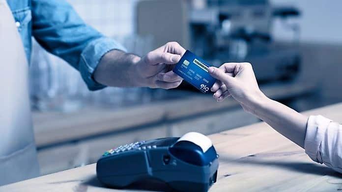 Senado aprova projeto que fixa teto de juros no cartão de crédito e cheque especial