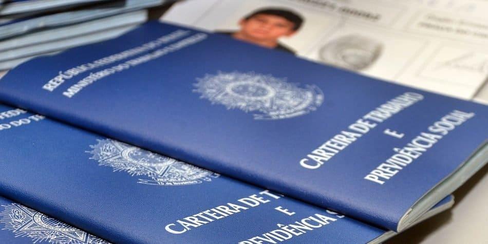 Governo sugere suspensão de contratos para não haver demissões (Reprodução/Internet)