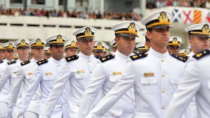Concurso público para Marinha é publicado com número incrível de vagas