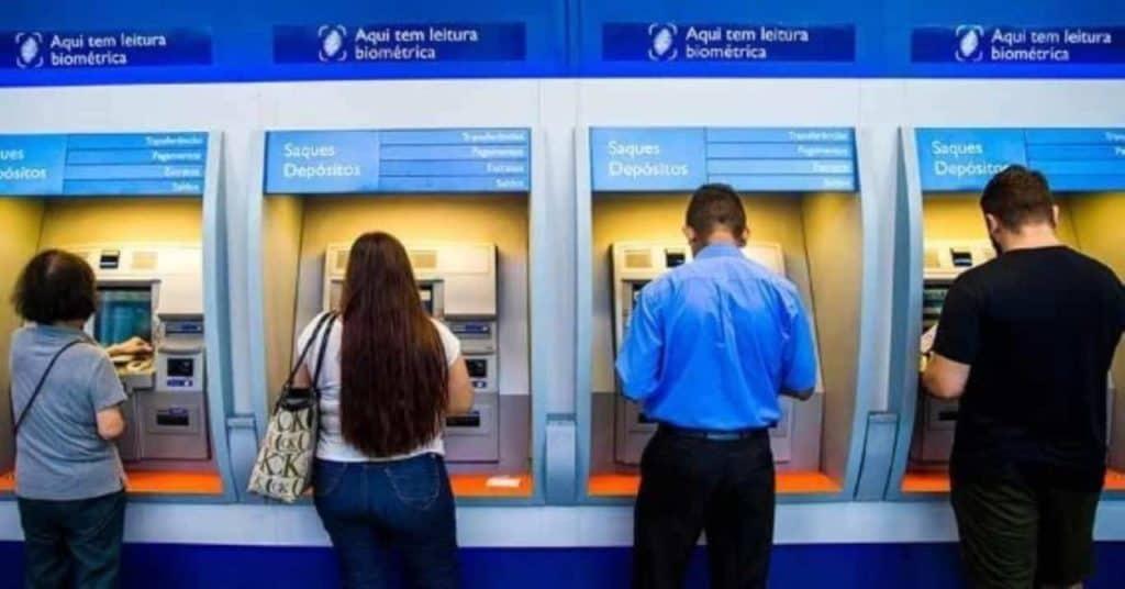 PIS faz ÚLTIMO pagamento do abono salarial de 2020 nesta terça-feira (15); veja quem recebe (Imagem: Google)
