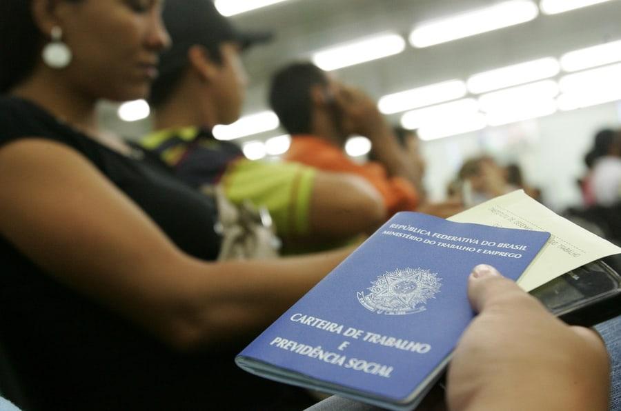 Vagas no TCE de Rondônia traz salários de R$7 mil; veja como se inscrever