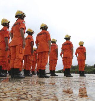 Previdência dos militares e bombeiros é adiada nos estados