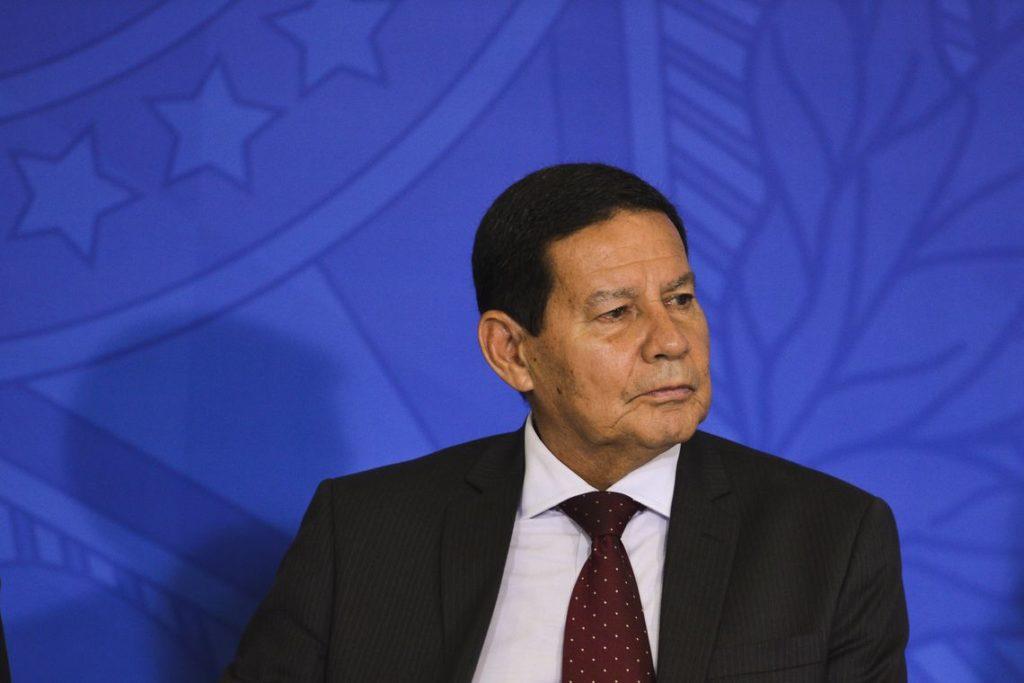Militares no INSS: Mourão faz posicionamento firme sobre contratação dos oficiais