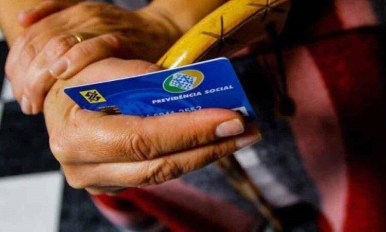 INSS pode pagar auxílio-doença sem exigir perícia até fim de 2021