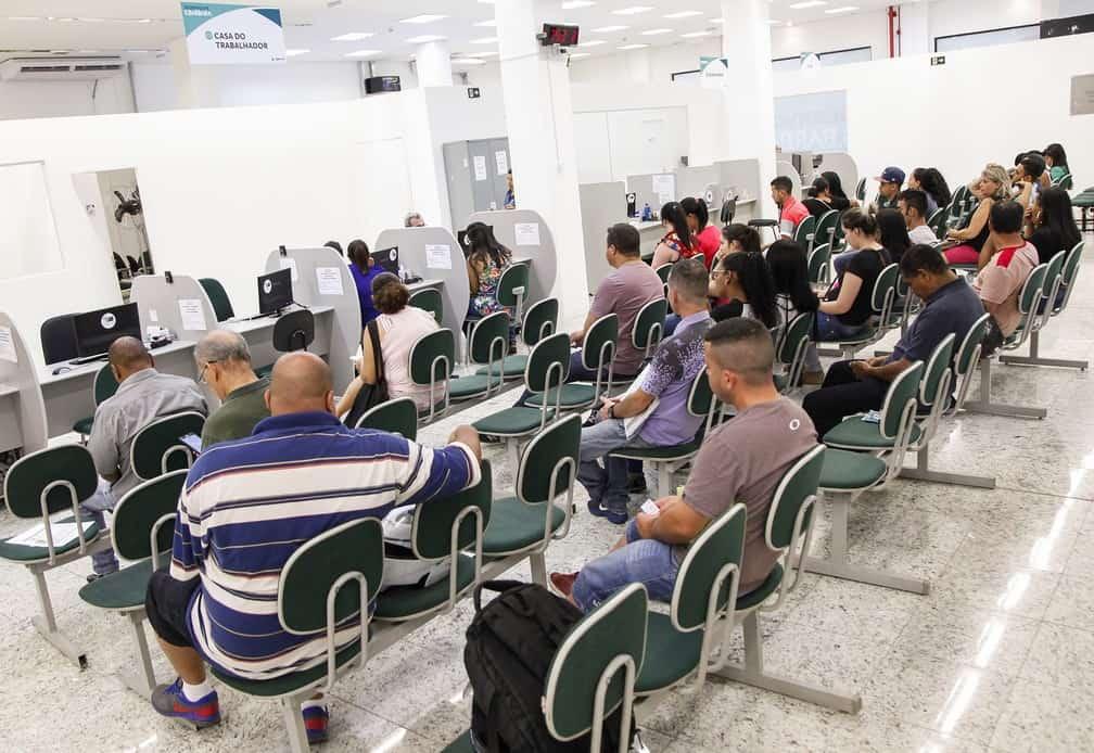 Confira de 70 vagas de emprego disponível para hoje (18) em Santa Bárbara
