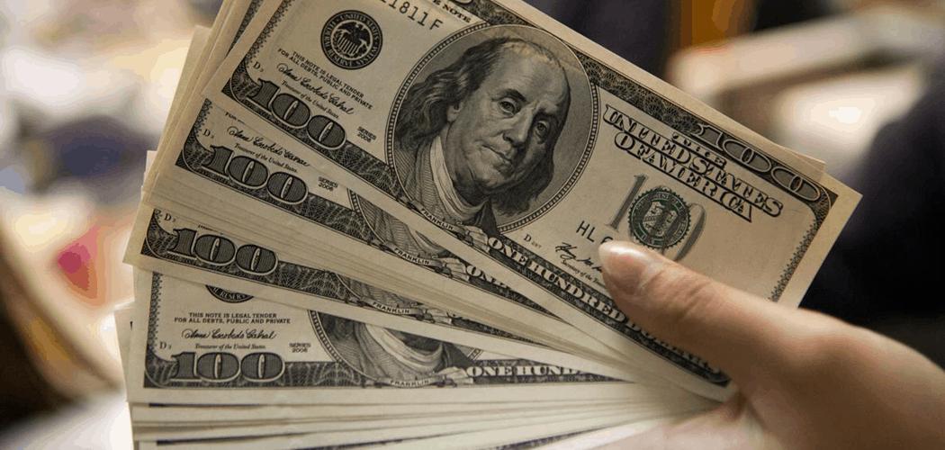 Compra internacional com cartão de crédito vai considerar dólar do dia da aquisição (Imagem: Reprodução - Google)