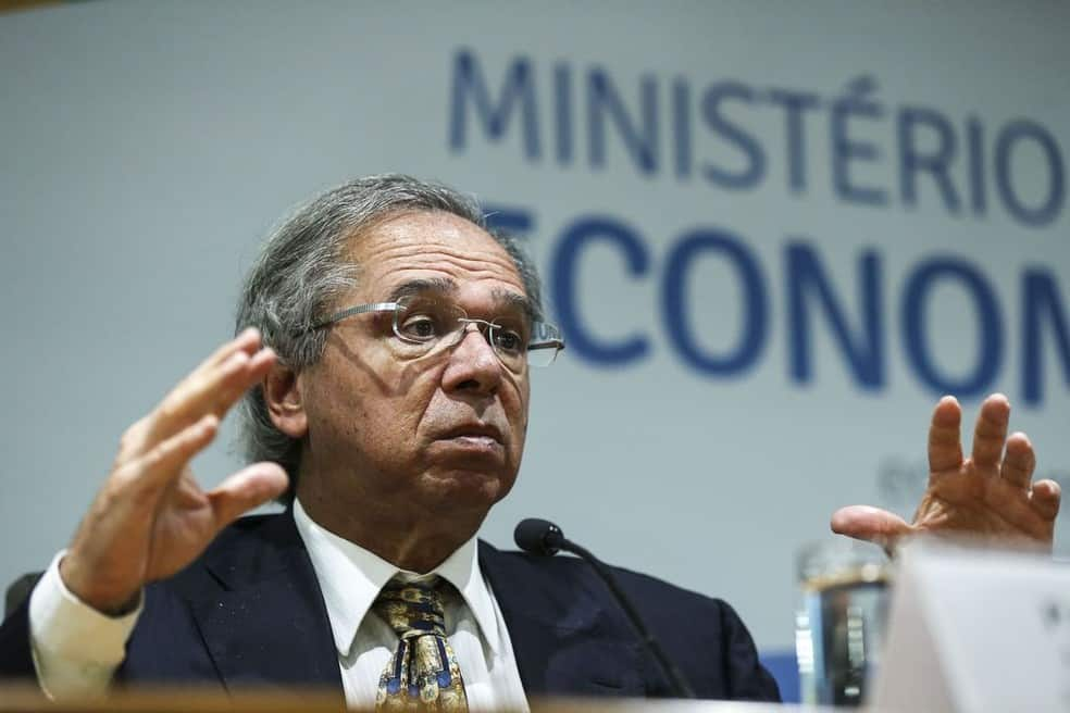 Dólar sobe e Paulo Guedes faz posicionamento polêmico para justificar alta (Reprodução/Agência Brasil)