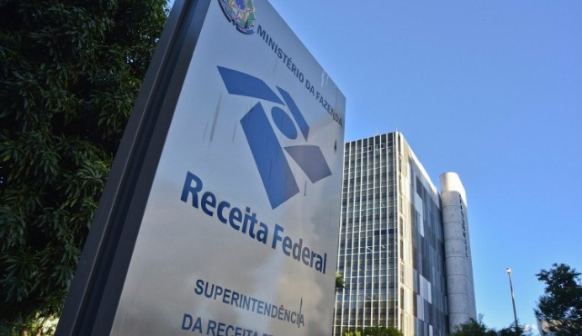 Restituição do Imposto de Renda abre mais uma consulta do lote residual hoje! Saiba como fazer
