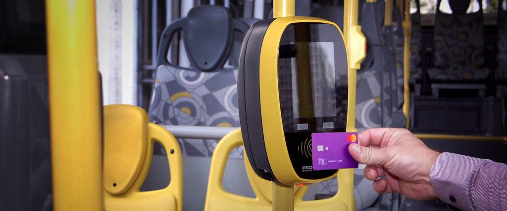 Cartão Nubank começa a ser usado no metrô do RJ; saiba como funciona