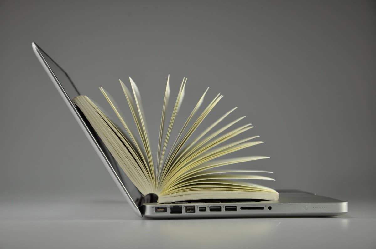 Dedução do IRPF 2020 incluí gastos com livro escolar? Saiba aqui!