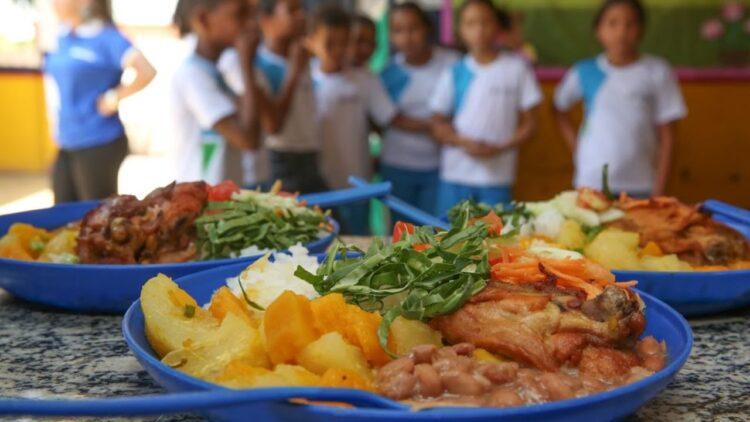 Governo de Manaus prorroga pagamento do auxílio merenda; veja nova data