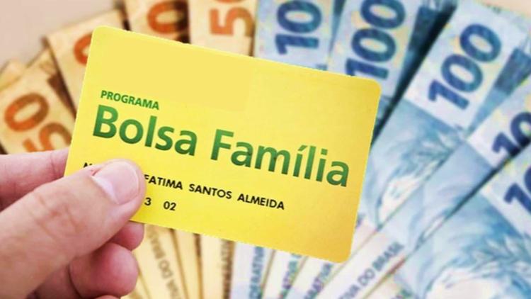 Bolsa Família paga R$300 para 1,6 milhão de pessoas nesta terça-feira (27)